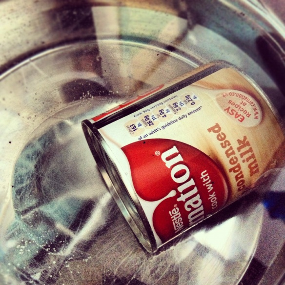 making dulce de leche by boling a can on the hob